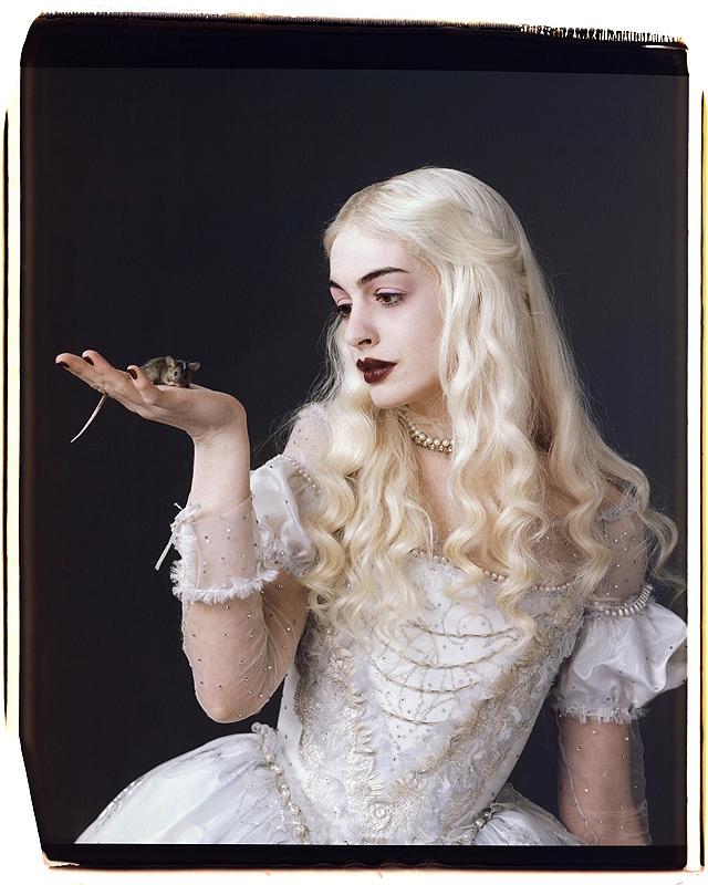 white-queen-alice-in-wonderland